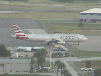 Florida Tech student pilot tried to steal American Airlines jet at Melbourne airport, officials say