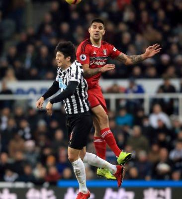 No laughing matter for Benitez as Fulham holds Newcastle