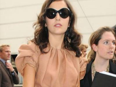 Great Outfits in Fashion History: Camilla Belle in One of Marc Jacobs's Most Iconic Collections for Louis Vuitton