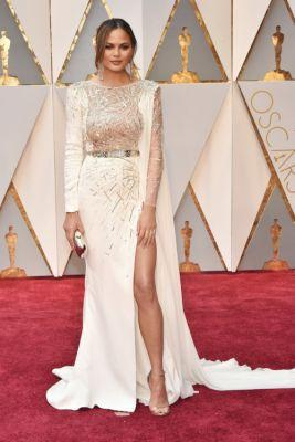 See Every Red Carpet Look At The 2017 Oscars:Follow what the