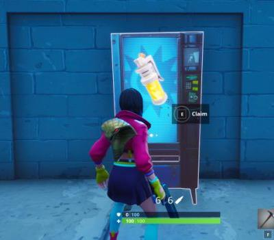 Fortnite: Search a chest, use a vending machine and a campfire
