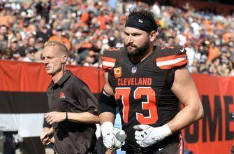 Huge loss: Browns' Thomas done for season with torn triceps