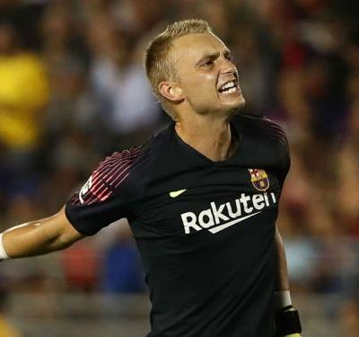 Cillessen set for Barcelona stay as Valverde rules out sale