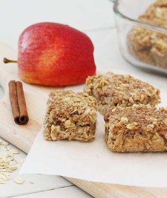 Apple Cinnamon Oatmeal Breakfast Bar