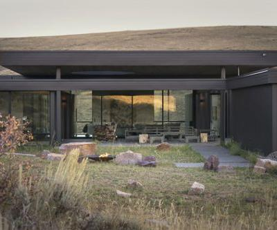 Boar Shoat House / Imbue Design