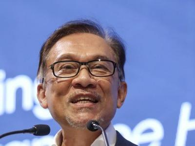 Malaysia's Anwar confident PM handover will go as planned