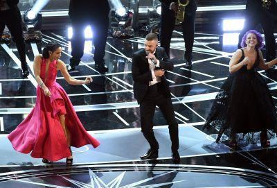 Oscars 2017: Watch Justin Timberlake Open The Awards With His Trolls Song And A Bill Withers Cover