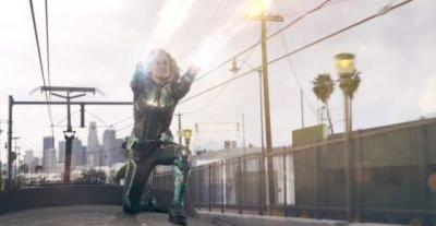 'Captain Marvel' Clip: Brie Larson Catches a Train But Has Trouble Catching a Skrull