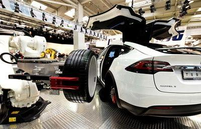 Tesla just months from total collapse, says hedge fund manager