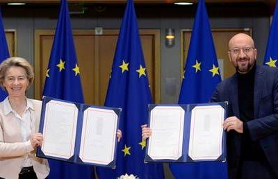 EU leaders sign Brexit trade deal, manuscript on its way to London as MPs set to debate 1,246-page text for just 5 hours