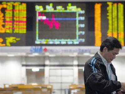 Asian stocks slip on Wall Street leads as trade talks simmer