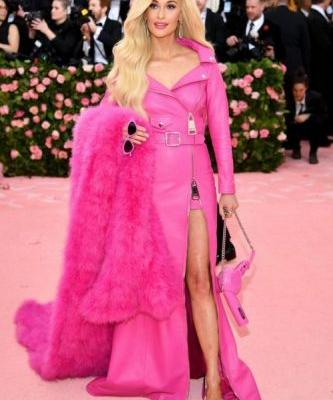 Kacey Musgraves Is a Literal Barbie Doll on the Met Gala Red