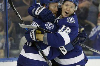 Gourde scores in OT, Lightning beat Blackhawks 5-4