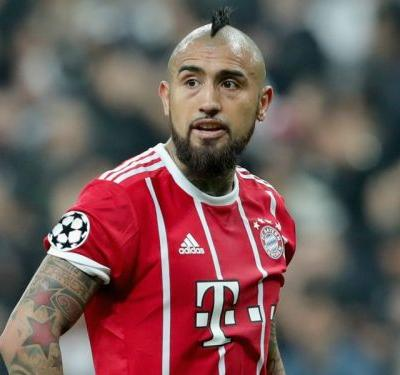 Vidal joins Barcelona from Bayern in €20m switch