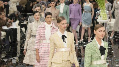 Chanel Seeks to Reinvent the Power Suit With a Retro Spring Haute Couture Collection