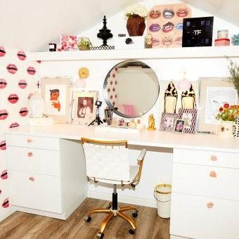 What It Looks Like When You Build a Separate Mini House Just for Your Makeup