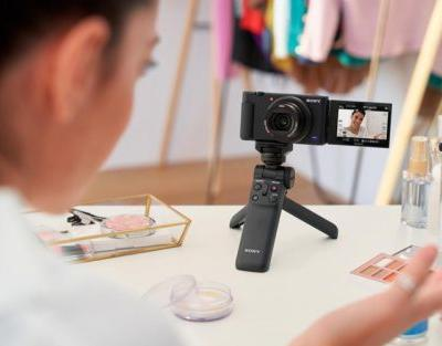 Sony Unveils the ZV-1 Compact Camera: An RX100 for Vloggers