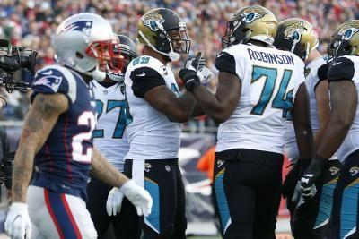 Jaguars T Cam Robinson lost for season with torn ACL