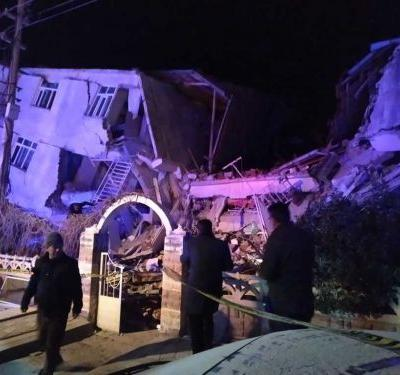 Deadly earthquake leaves more than 300 people hurt in eastern Turkey