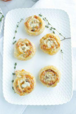 Prosciutto, Swiss and Apricot Pinwheels