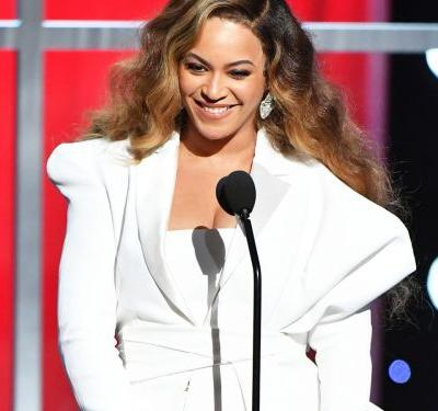 Beyoncé Wasn't The Only One Wearing Architectural Balmain At The NAACP Awards
