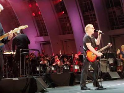 "Watch Oingo Boingo's Danny Elfman & Steve Bartek Play ""Dead Man's Party"" With Tony Kanal & The Hollywood Bowl Orchestra"
