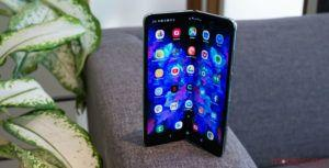 Some early Galaxy Fold smartphones are suffering from display issues