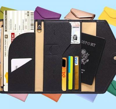 This $14 wallet is my trick to staying organized while traveling - and it can double as a clutch for a night out