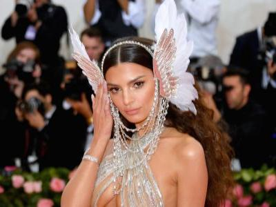Emily Ratajkowski Leaves Little to the Imagination In a Goddess-Inspired Look at the Met Gala