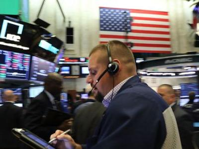 Dow Drops 799 Points, As Topsy-Turvy Interest Rates Boost Recession Fears