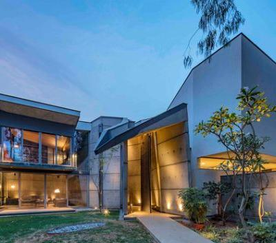 House of Stories / Mathew and Ghosh Architects