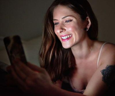 15 Sexy Texts To Send Your Long-Distance Partner To Really Turn Them On