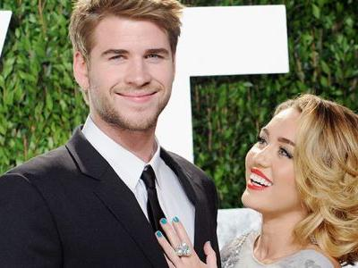 Nostalgia Alert! 'The Last Song' Author Nicholas Sparks Congratulates Miley And Liam On Marriage