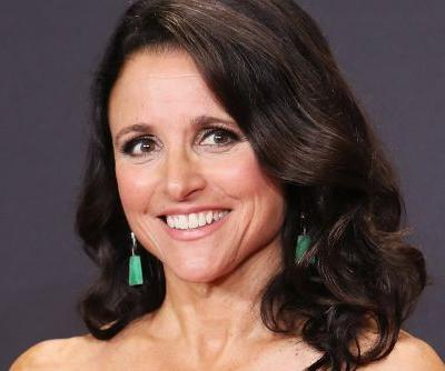 Julia Louis-Dreyfus shows off beach body in Hawaii