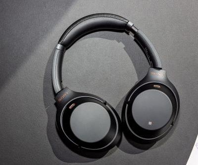 Sony's excellent 1000X M3 headphones are $50 off at Massdrop