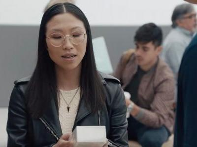 Samsung's latest 'Ingenius' ads poke fun at iPhone X dongles, fast charging, more