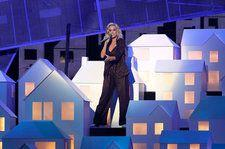 Katy Perry Had a New 'Left Shark' Moment at the 2017 Brit Awards: Watch
