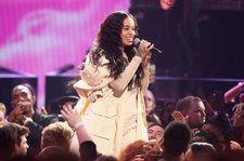 Ella Mai Gives Soulful Performance Of 'Boo'd Up' at 2018 American Music Awards: Watch