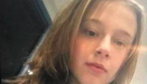 Australia-wide search for missing girl, 15, last seen at Perth Airport en route to NSW