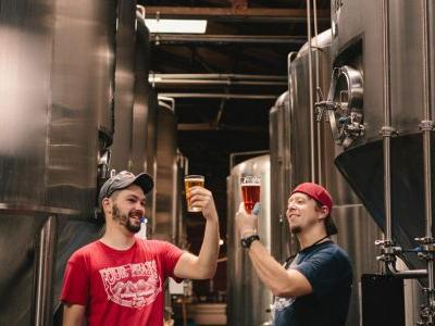 What's the Difference Between a Brewer and Brewmaster? Brewhouse Titles, Explained