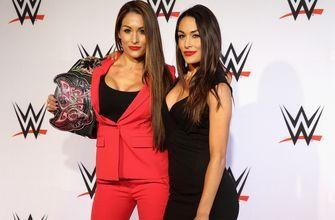 FOX Soccer Tonight™: WWE's Bella twins on USWNT's start to the Women's World Cup