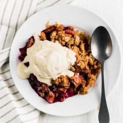 Rhubarb and Blueberry Crisp