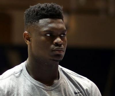 Zion Williamson blows apart sneaker, heads to locker room with apparent injury