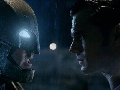 Zack Snyder Shares More 'Batman v Superman' Details About the Mother Boxes, Jokes About a Sequel