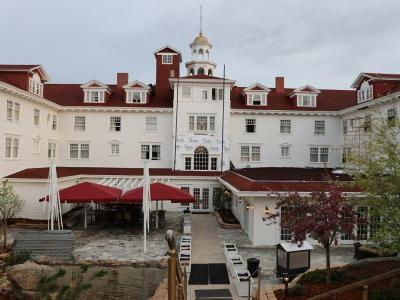 Wander Woman: Sleeping like a King in The Shining hotel - and 5 other spooky sleeps
