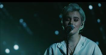 'Clean' Hillsong UNITED Live Performance