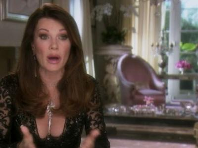"""Lisa Vanderpump Is """"Fed Up With Being The Target"""" On Real Housewives Of Beverly Hills"""