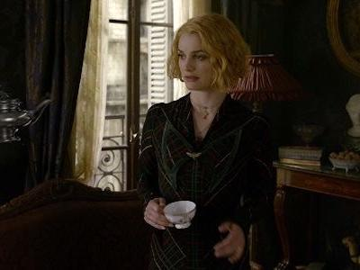 How Fantastic Beasts 2's Alison Sudol Feels About That Queenie Twist