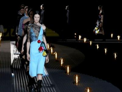 Must Read: Prada's Market Value Plunges as China Slowdown Hits Profits, How to Survive a PR Crisis