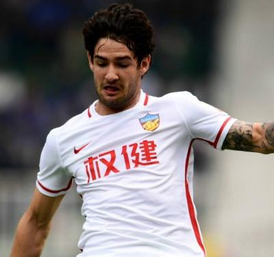 Pato refusing to rule out AC Milan return after China stint